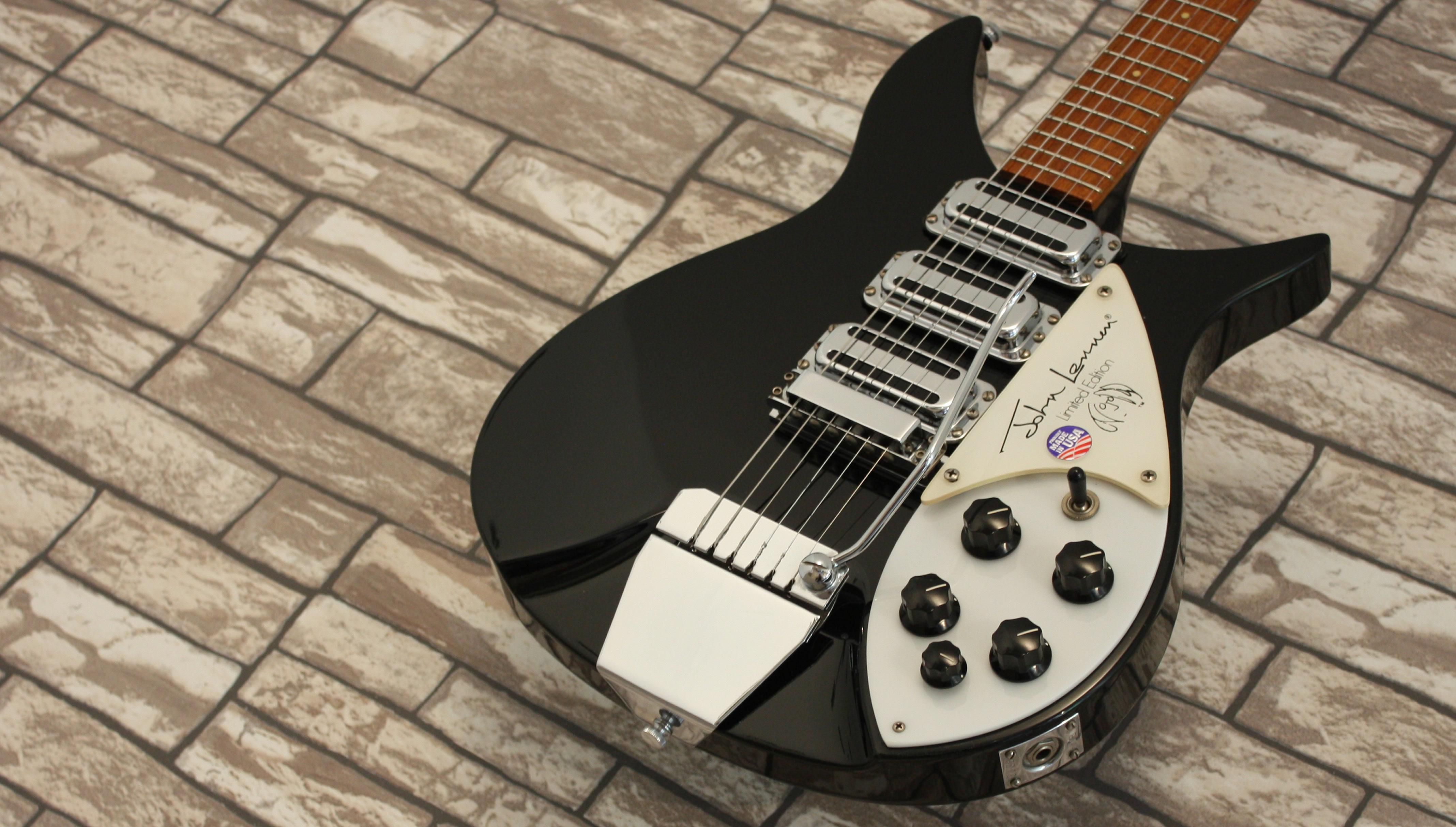 Rickenbacker 325 JL John Lennon
