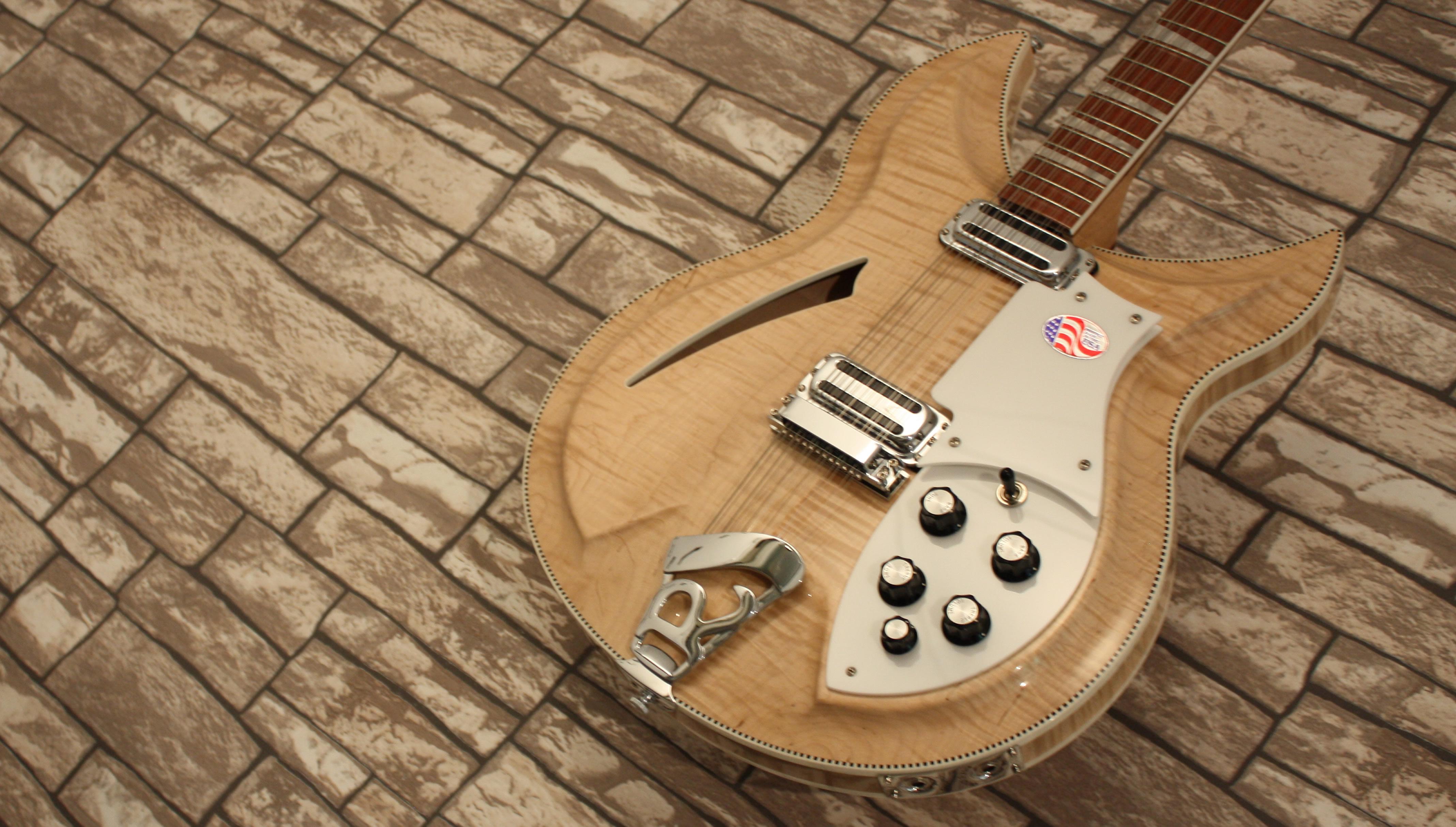 Rickenbacker 381-12v69 Mapleglo